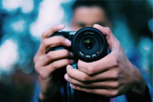 photographer-698908_960_720-768x512
